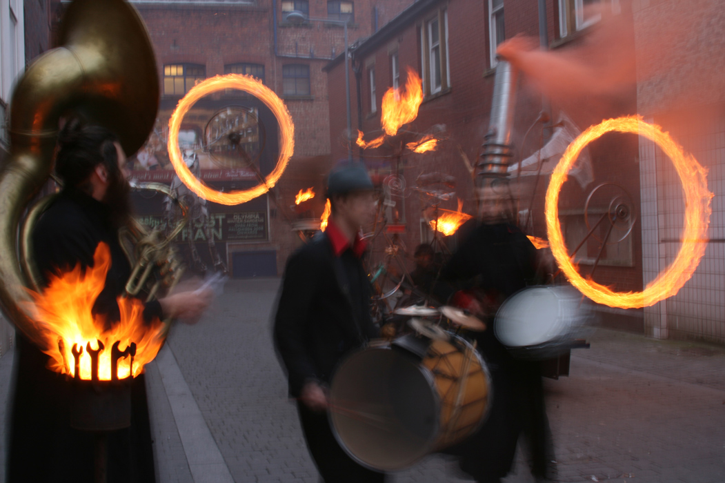 Pandamonium Engine, a mobile kinetic contraption animated by fire, movement and pyrotechnics, in action with Tongues of Fire Street Band at Heat the Streets, Blackpool 2009